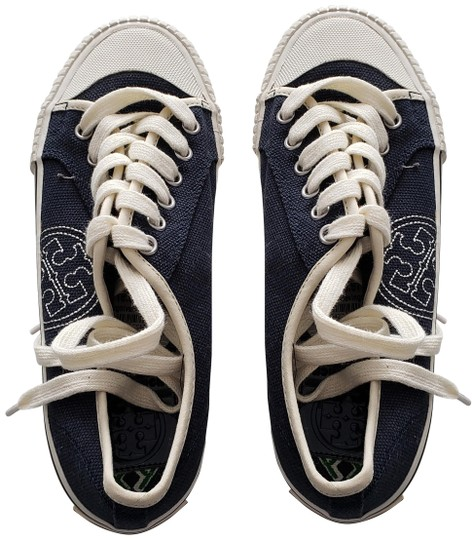 Preload https://img-static.tradesy.com/item/25151762/tory-burch-navy-daniel-canvas-sneakers-sneakers-size-us-5-regular-m-b-0-1-540-540.jpg