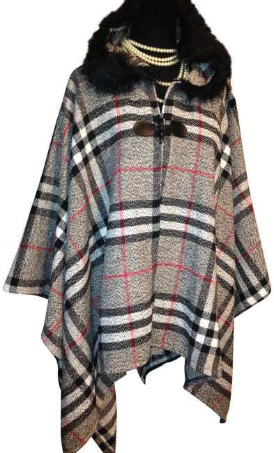 Item - Plaid Furt Trim Hooded Poncho/Cape Size OS (one size)