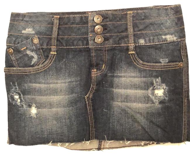 Preload https://img-static.tradesy.com/item/25153339/guess-g-by-button-fly-denim-skirt-size-0-xs-25-0-1-650-650.jpg