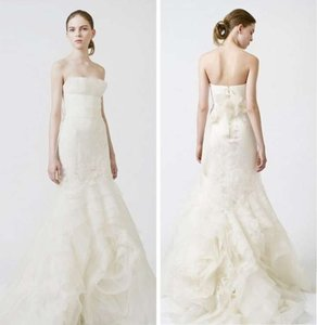 Vera Wang Wedding Dresses On Sale Up To 70 Off At Tradesy