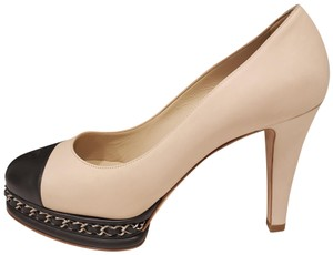 6c55e014598 Chanel Pearl Camellia Flower Patent Leather Heel Beige Black Pumps