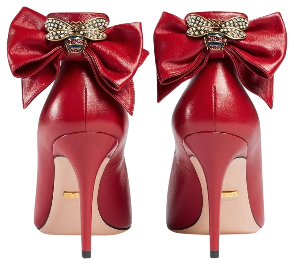 a936ad4e6c6 Gucci Bow Bee Embellished Leather Pumps Size EU 39 (Approx. US 9 ...