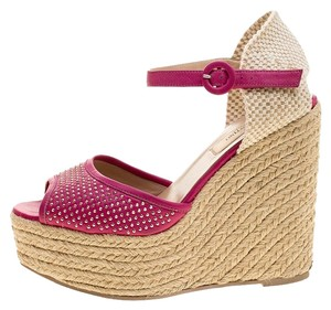 e0a22d7107da Pink Valentino Sandals - Up to 90% off at Tradesy