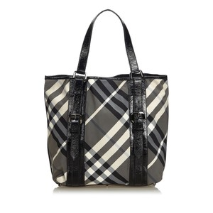 94d5972724e9 Burberry 9cbuto022 Vintage Nylon Patent Leather Tote in Black · Burberry.  Fabric Beat Check ...