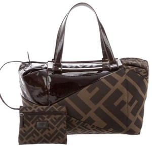 cb4545eaa7 Fendi Bags on Sale - Up to 70% off at Tradesy