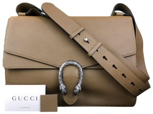 a6e4f2fc936 Gucci Messenger Bags - Up to 70% off at Tradesy (Page 5)