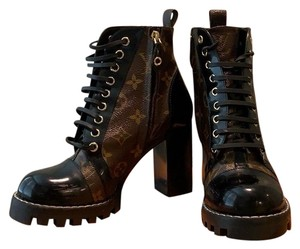9bbacbfe336 Louis Vuitton Boots - Up to 70% off at Tradesy