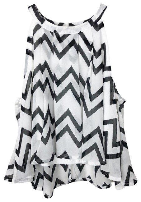 Item - High Neck Cropped Black and White Top