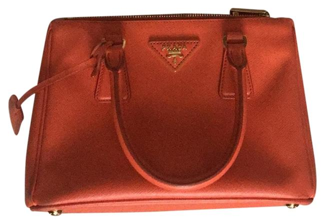 Item - Galleria Double Lux Crossbody Mini Orange Leather Baguette
