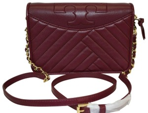 615adc5b2027 Tory Burch Crossbody Bags - Up to 70% off at Tradesy