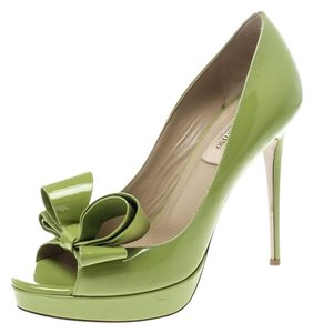2e86bd26316 Valentino Patent Leather Peep Toe Platform Green Pumps
