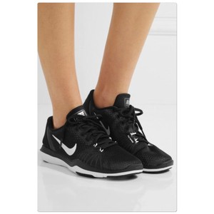 cfa3fdad926b10 Women s Nike Shoes - Up to 90% off at Tradesy (Page 4)
