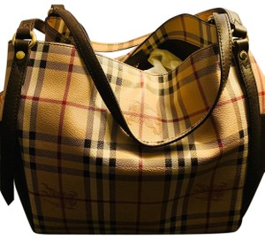 69c7a37b7574 Burberry Hobo Bags - Up to 70% off at Tradesy