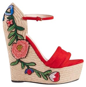 22784b89319 Gucci Wedges - Up to 70% off at Tradesy