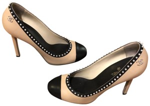 f0765d84e59 Chanel Heels   Pumps on Sale - Up to 70% off at Tradesy