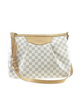 1e7af7aa2dfe Louis Vuitton Siracusa - Up to 70% off at Tradesy
