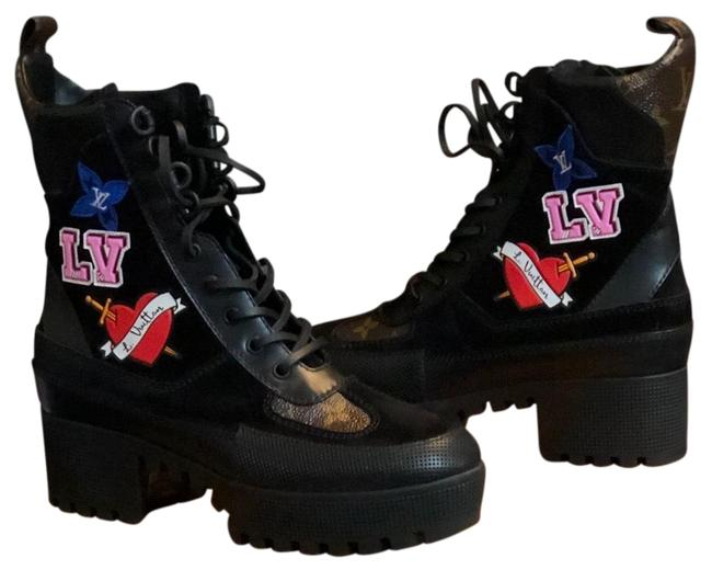 Item - Heart Boots Sneakers Size US 8 Regular (M, B)