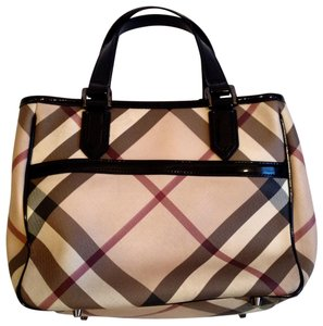 ada42af511d Burberry Bags and Purses on Sale - Up to 70% off at Tradesy