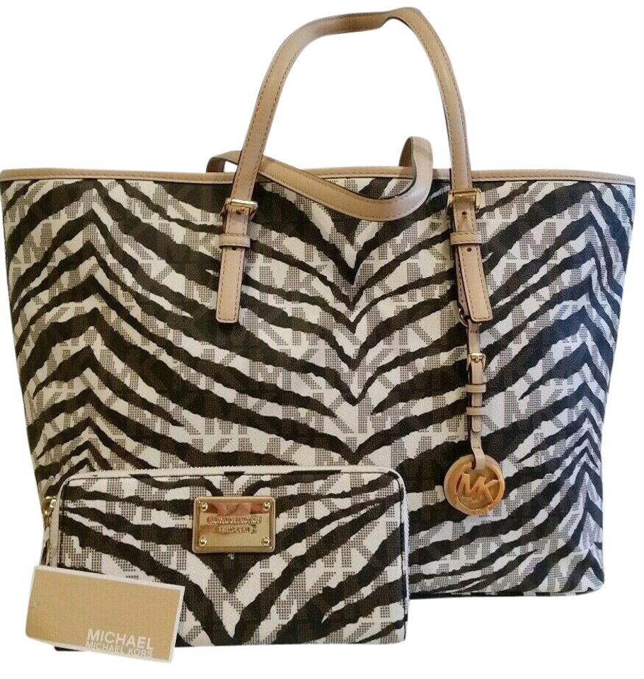 53278ea7d228 MICHAEL Michael Kors Tote 2 Pc Jet Set Mk Logo Stripe Multifunction & Wallet  Set Vanilla Tiger /Gold Hardware Pvc/Leather Weekend/Travel Bag