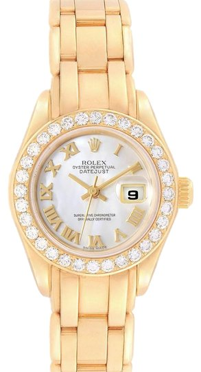 Preload https://img-static.tradesy.com/item/25170176/rolex-mother-of-pearl-pearlmaster-yellow-gold-mop-diamond-bezel-ladies-69298-watch-0-2-540-540.jpg