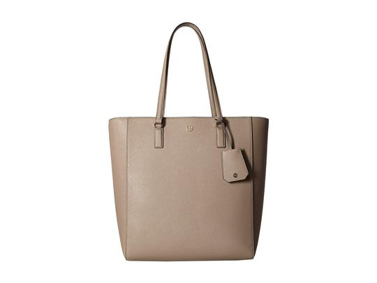 Preload https://img-static.tradesy.com/item/25170723/tory-burch-robinson-northsouth-beige-leather-tote-0-0-540-540.jpg