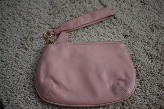 Coach Wristlet in pink Image 1