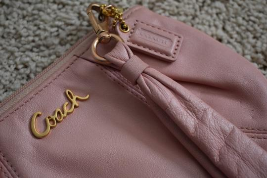 Coach Wristlet in pink Image 2