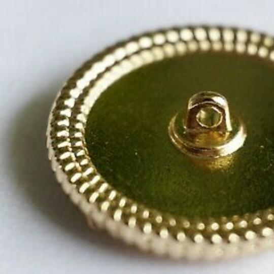 Chanel buttons 9 pieces 0,8 inch 20 mm gold tone logo CC 100% Authentic Chanel Buttons 9 pieces logo CC 20 mm 0,8 inch Image 1