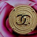 Chanel buttons 9 pieces 0,8 inch 20 mm gold tone logo CC 100% Authentic Chanel Buttons 9 pieces logo CC 20 mm 0,8 inch Image 2
