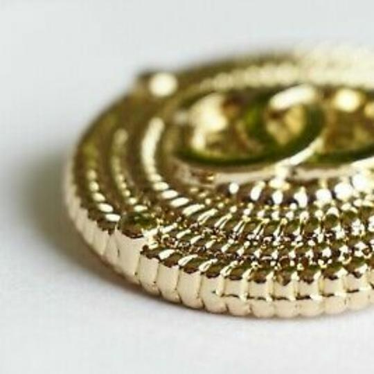 Chanel buttons 9 pieces 0,8 inch 20 mm gold tone logo CC 100% Authentic Chanel Buttons 9 pieces logo CC 20 mm 0,8 inch Image 5