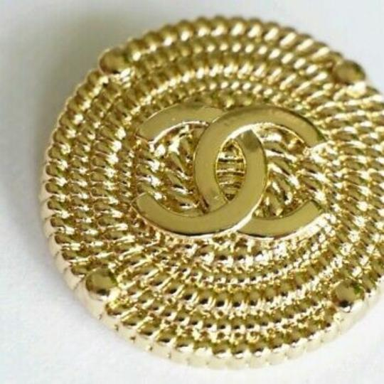 Chanel buttons 9 pieces 0,8 inch 20 mm gold tone logo CC 100% Authentic Chanel Buttons 9 pieces logo CC 20 mm 0,8 inch Image 7
