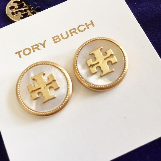 Tory Burch Ivory T Stud New Semi-precious Mother Of Pearl T-logo Earrings Image 3