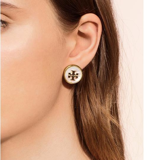 Tory Burch Ivory T Stud New Semi-precious Mother Of Pearl T-logo Earrings Image 4