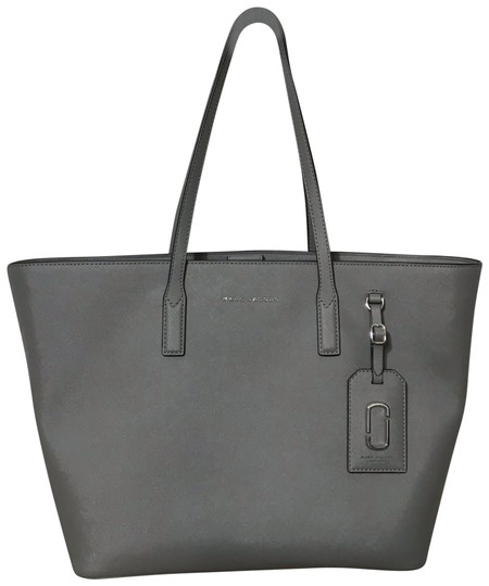 Preload https://img-static.tradesy.com/item/25171141/marc-by-marc-jacobs-bag-grey-saffiano-leather-tote-0-1-540-540.jpg
