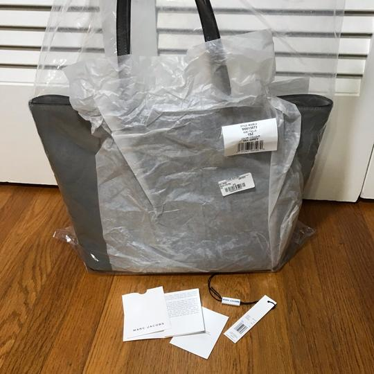 Marc by Marc Jacobs Tote in Grey Image 8