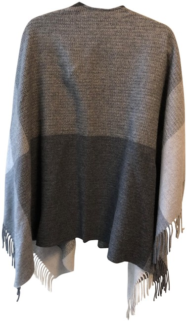 Item - Grey Open Front Poncho/Cape Size OS (one size)