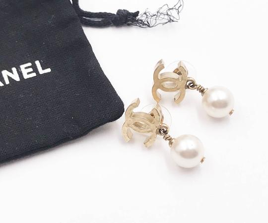 Chanel Chanel Gold Plated Hammered CC Faux Pearl Dangle Piercing Earrings Image 1