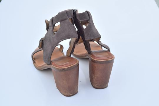 Dolce Vita taupe Sandals Image 5