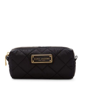2210a5c8a8a5d Black Marc Jacobs Cosmetic Bags - Up to 70% off at Tradesy