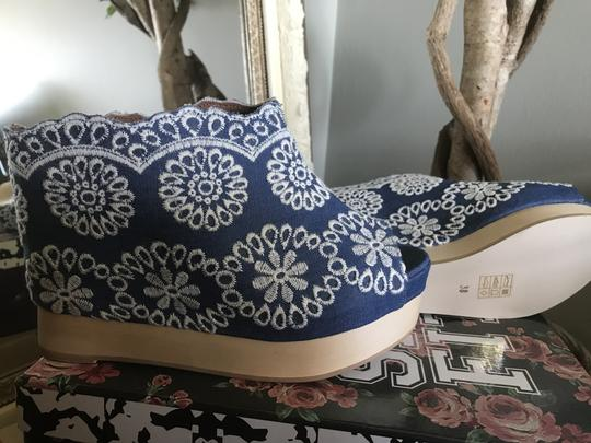 Jeffrey Campbell Black Leather Patent Gold Heel Blue/white Mules Image 2