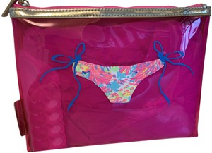 Lilly Pulitzer Dragonfruit Hot pink with gold zipper Beach Bag