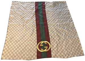0a61c27375b Gucci Scarves and Wraps - Up to 70% off at Tradesy