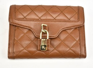 Burberry Quilted Leather & Logo Medium Folding (rv)