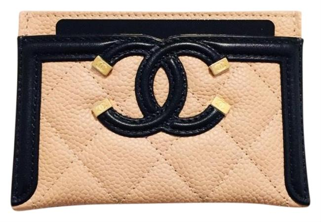 Chanel Beige and Black Grained Calfskin Quilted Cc Card Casev Wallet Chanel Beige and Black Grained Calfskin Quilted Cc Card Casev Wallet Image 1