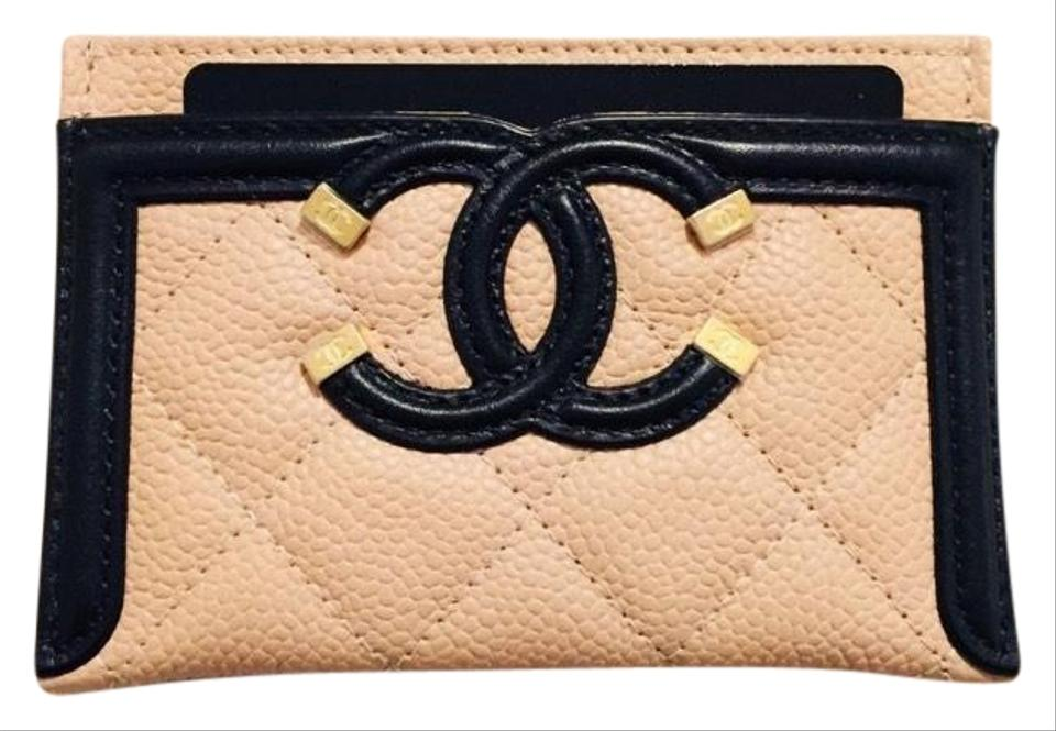 181d6d68aa1a Chanel Beige and Black Grained Calfskin Quilted Cc Card Casev Wallet ...