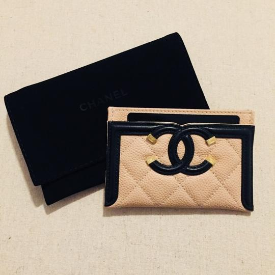 Chanel CHANEL Grained Calfskin Quilted CC Card Casev Image 2