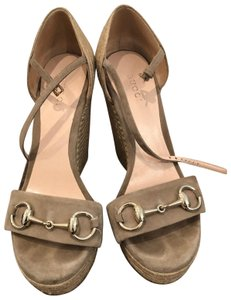 9d7f3b07060 Gucci Wedges - Up to 70% off at Tradesy