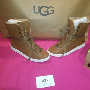5cce098d14f Brown UGG Australia Sneakers Regular (M, B) Up to 90% off at Tradesy