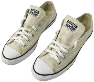 83db687f3c68 Converse Sneakers - Up to 90% off at Tradesy