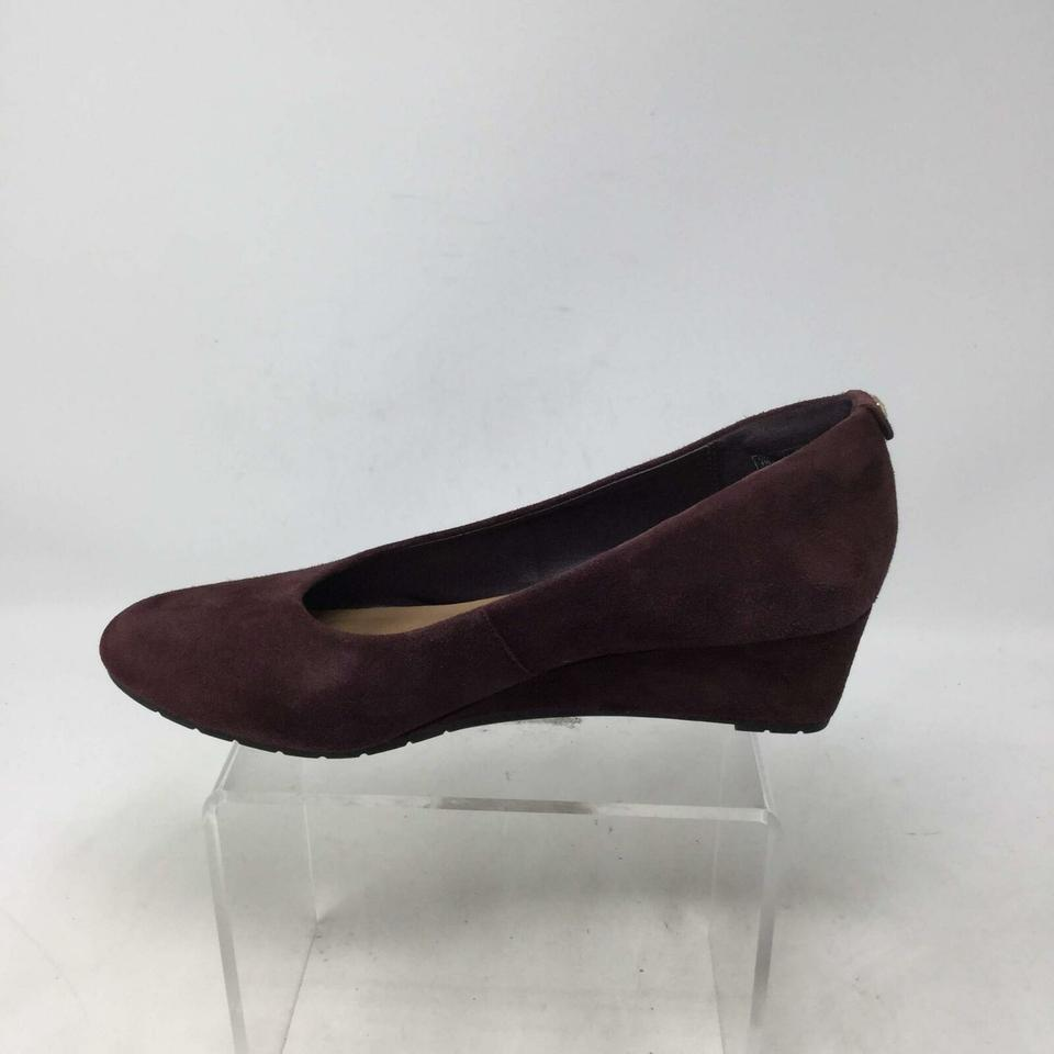 f762612476364 Clarks Purple Women's Eu 37.5m Suede Wedges Size US 7 Regular (M, B) -  Tradesy